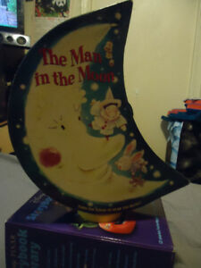 THE MAN IN THE MOON MUSICAL BOXED STORYBOOK SET