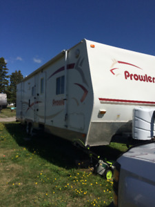2007 prowler280 fqs by fleetwood  with slide out. SOLD