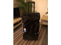 Lightweight suitcase / holdhall