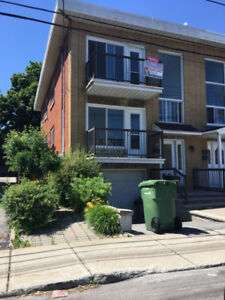 Large 8 1/2 flat to rent in Lasalle