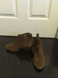 Twice worn ankle boots with heels (Size 7.5-8)