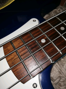 Econ precision bass guitar