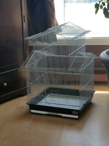 Medium bird cage barely used