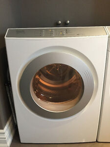 Miele Touchtronic Vented White Electric Dryer, Model T9800
