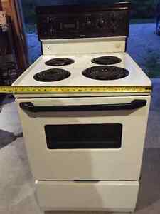 Small apartment stove for sale Windsor Region Ontario image 1