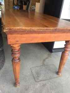 Antique Cedar Dining Table & Leather Chairs