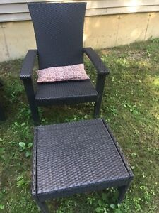 Lawn chair and ottoman