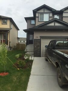 Master bedroom for rent leduc