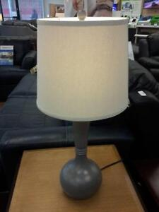 *** USED *** ASHLEY SYNTHIE LAMP (2/CN)   S/N:51214952   #STORE523
