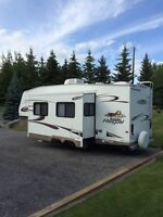 2005 Prowler Regal Fifth Wheel