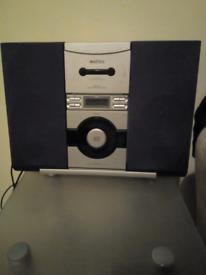 Mataui radio/cassette/disc.