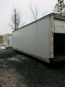 Boite de camion 26 pieds intérieur très propre