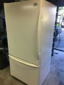 Fridge / Freezer Refridgerator bottom freezer Drawer style GE