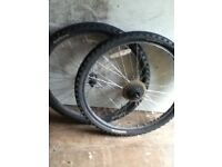26 inch mountain bike wheels and tyres