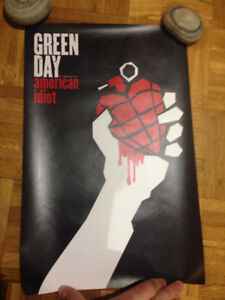 "GREEN DAY - (Rare) American Idiot Posters, 1"" Pins"