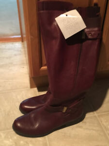 Never worn Naturalizer boots with tags