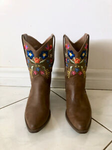 88529e5bc5b Womens Cowboy Boots | Buy New & Used Goods Near You! Find Everything ...