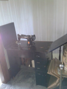 Selling Working Antique Sewing Machine