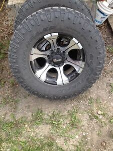 8 bolt 35 12.5 rims and tires