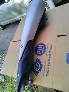 HONDA CBR250R 2011 EXHAUST CAN MUFFLER WITH HEAT SHIELDS Windsor Region Ontario image 5