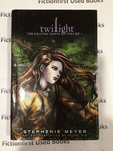 "Graphic Novel: ""Twilight Vol. 1"""