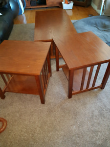 Coffee table & 2 matching end tables Oak Mission style
