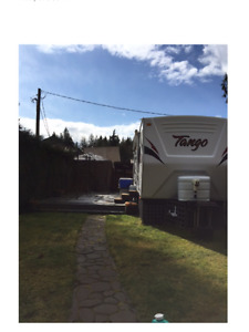 RV lot & Trailer Youbou 10 minutes from Sunfest