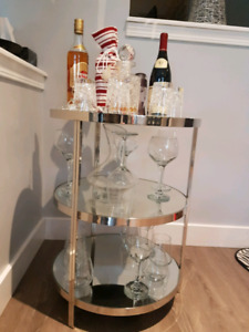 Bar cart/Accent table