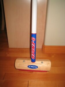 8 ender brand curling broom brush adult size barely used