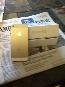 IPHONE 5S 32 GB GOLD 15 MONTHS USED MINT CONDITION