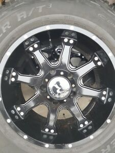4 RACELINE WHEELS WITH COOPER DISCOVERY AT/3 LT275/65/18