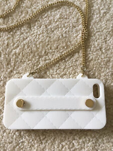 iPhone 5/5s cover with gold purse strap Windsor Region Ontario image 1
