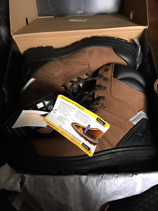 WORK BOOTS! *NEW WITH TAGS* Was unable to return them! SIZE 9