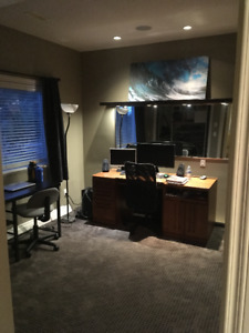 Available Double bedroom in Oceanview home !