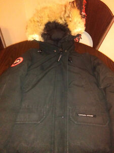 Canada Goose montebello parka outlet shop - Women's X-S Canada Goose Authentic winter bomber jacket | women's ...