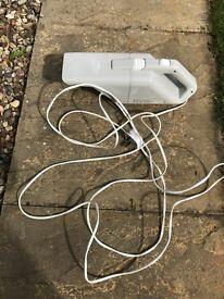 Globlin mini vacuum