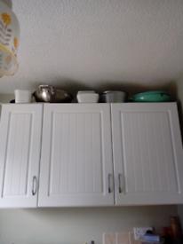 Kitchen cupboard doors with handles