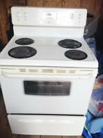 4 yrs old electric stove used for 1 year