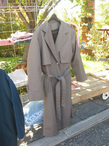 WOMENS TRENCH COAT Kitchener / Waterloo Kitchener Area image 3