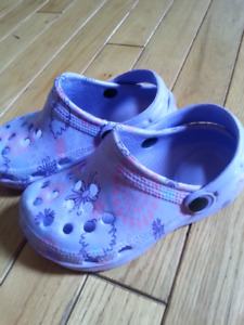 Girl sandals - size 10