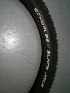 2 pneus de montagne 24 pouces
