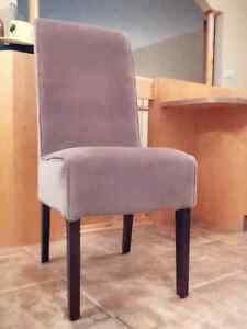 4 magnifiques chaises - DOIT ÊTRE VENDU