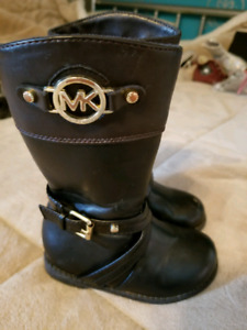 Size 6 toddler MK boots
