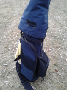 Golf bag with pull cart