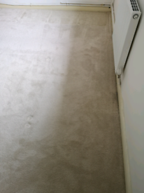 Cream hessian backed carpet and thick underlay