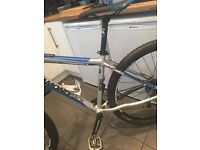 nee dgone !!fully upgraded diamondback descent 29er like new for s7/iphone/cash offers