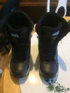 Youth Snowboard boots - good condition Morrow