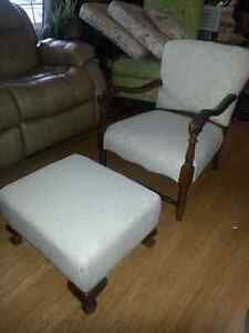 ANTIQUE CHAIR AND FOOTSTOOL, RECENTLY REUPHOLSTERED Kitchener / Waterloo Kitchener Area image 2