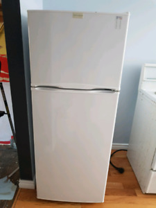 SOLD      Apartment size fridge