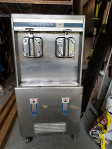 **Commercial Soft Ice Cream Machine - Taylor **